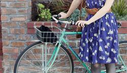 小さいバッグだけで自転車に ...